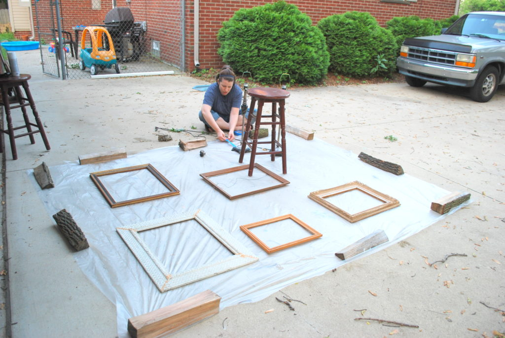 Frames on plastic for spray painting