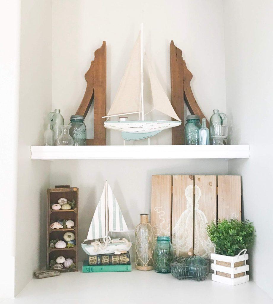 Summer decor on shelves