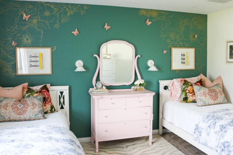 Girls Bedroom-3380
